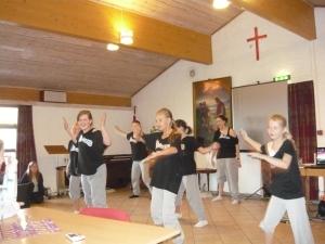 dans in biserica
